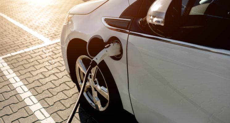 Ladda elbil - laddkablar och standarder